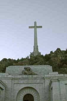 Stenkorset mäter 150 meter och är placerat på 1758 meters höjd.