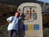 Efter en kraftig stigning når jag gränsen mellan Lugo och La Coruña. Till sist är vi i Galicien. Två dagars promenad till och vi når vårt slutmål - Santiago de Compostela.