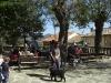 På Huerta de los Pastores-torget kan man få sig något till livs på bar social La Hiruela.